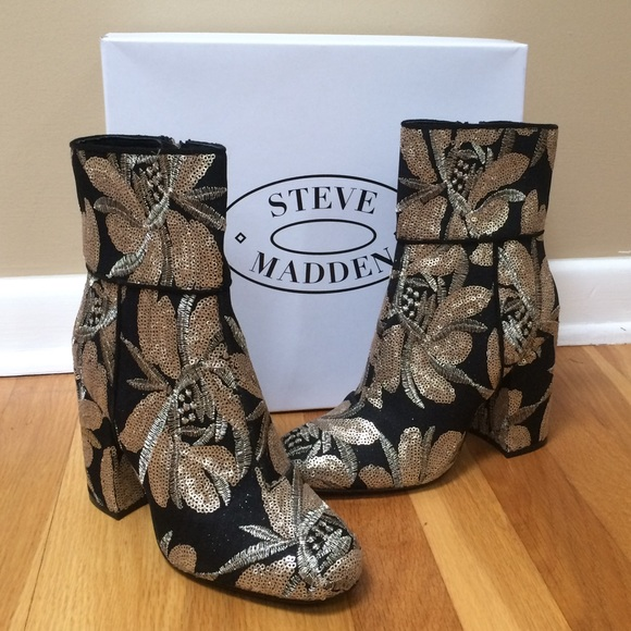 3950aacd471 STEVE MADDEN 'Goldie' Sequin Floral Print Booties